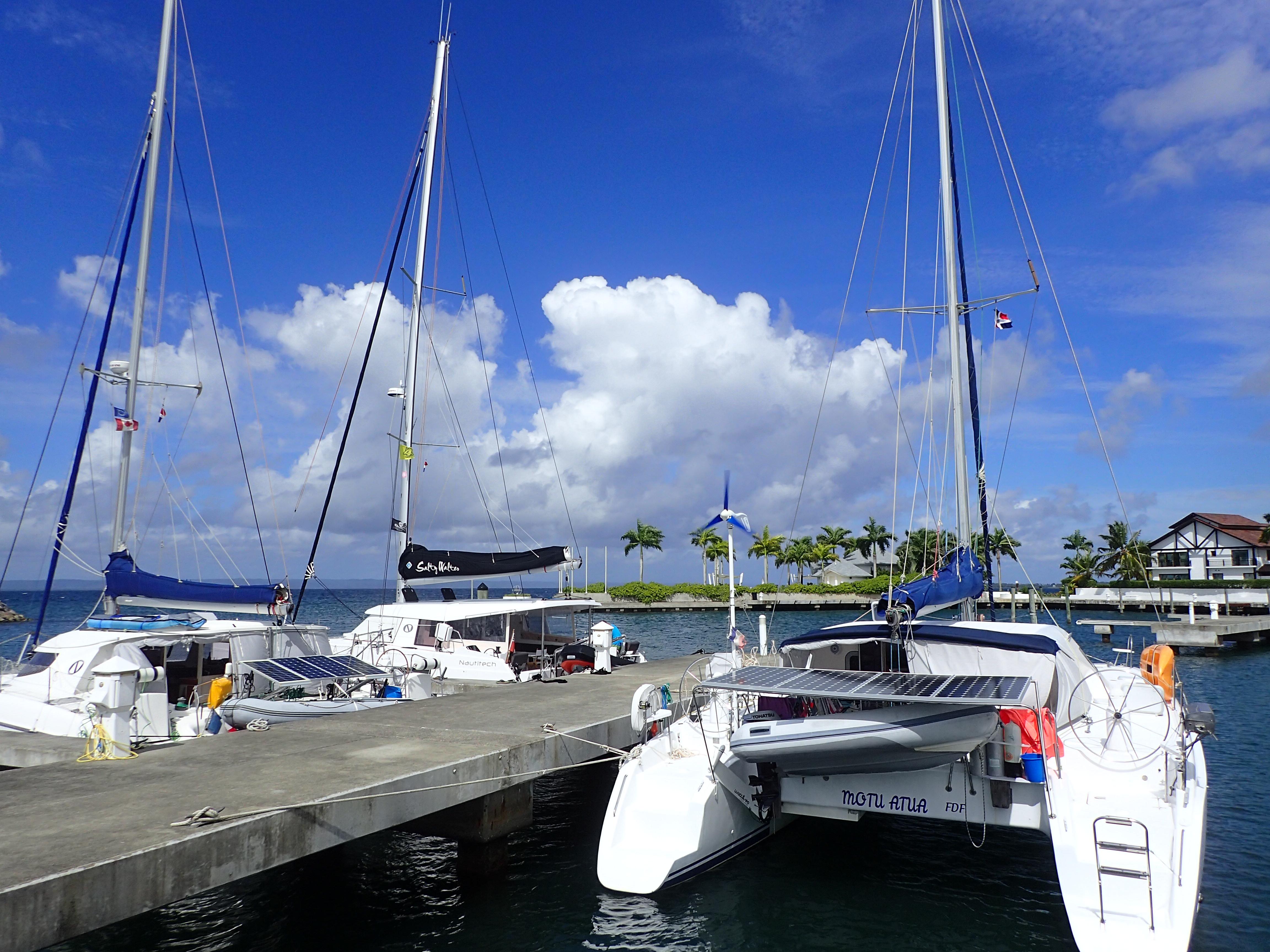 Nautitech 40 et 40 open, Nautitech 435, se retrouvent le même jour à Puerto Bahia en République Dominicaine,sur le même ponton.